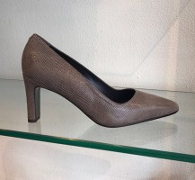 3167-Mada Suede Pumps